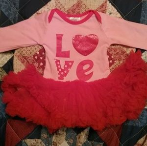 Other - B0GO  FREE ❤Infant Girls Tulle onesie L♡ve size s